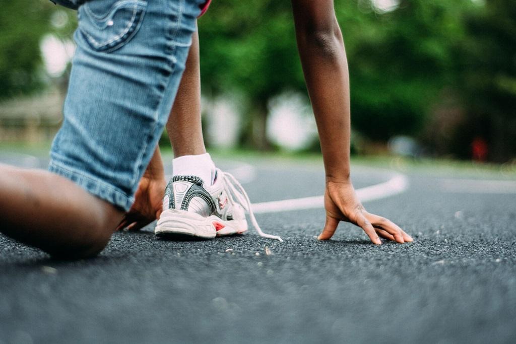 La pratique d'activité en plein air réduit le risque d'obésité chez les enfants.